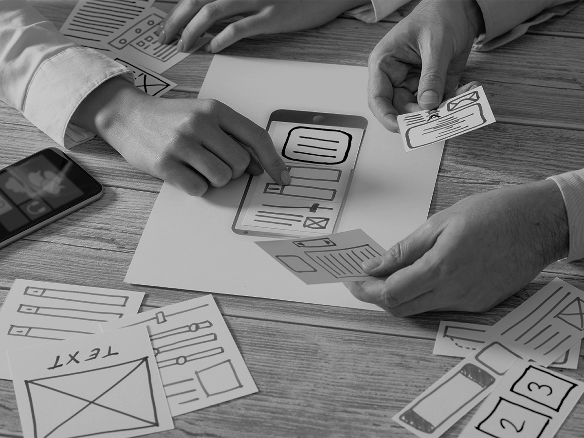 UX Team with Paper Prototype
